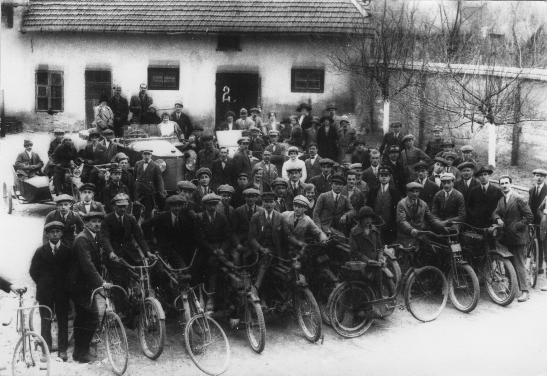Wieliccy cykliści sprzed 100 lat