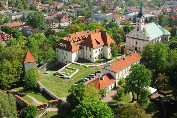 zamek, B. Pasek