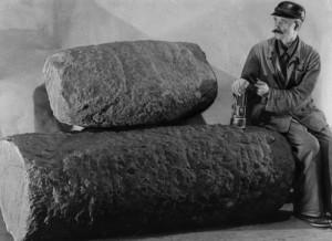 Górnik Franciszek Krzeczkowski - przewodnik Alfonsa Długosza w wędrówkach po starej kopalni, fot. Alfons Długosz