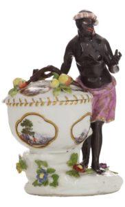 Solniczka porcelanowa z figurką Murzynki, Manufatura w Miśni, XVIII w.