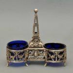 Solniczka srebrna podwójna, z owalnymi wkładami ze szkła kobaltowego, Francja, II poł. XIX w.